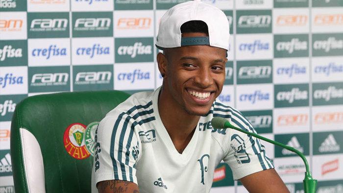 Tchê Tchê lembrou de grandes jogadores que já vestiram a camisa 8 do Verdão, como Mazinho e César Sampaio. (Cesar Greco/Ag. Palmeiras/Divulgação)