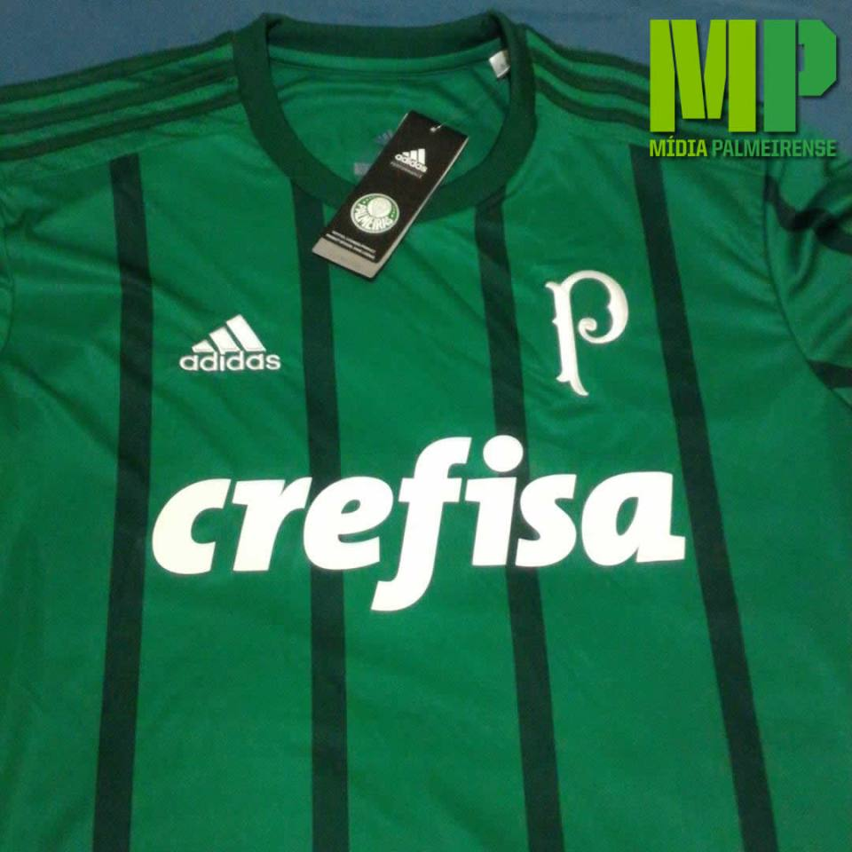 A provável nova camisa do Palmeiras para 2017 tem listras verde escuras. (Giorgio Migliani)