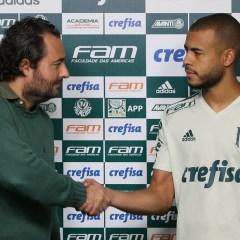 Mayke reverencia Palmeiras em apresentação e elogia técnico Cuca: 'É um paizão'