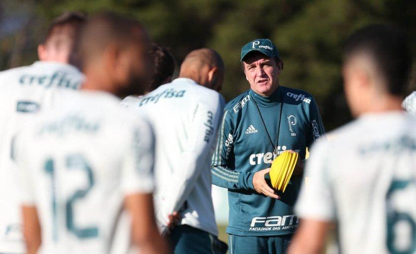 Cuca comandou atividade técnica antes do confronto com o Atlético-MG. (Cesar Greco/Ag. Palmeiras/Divulgação)