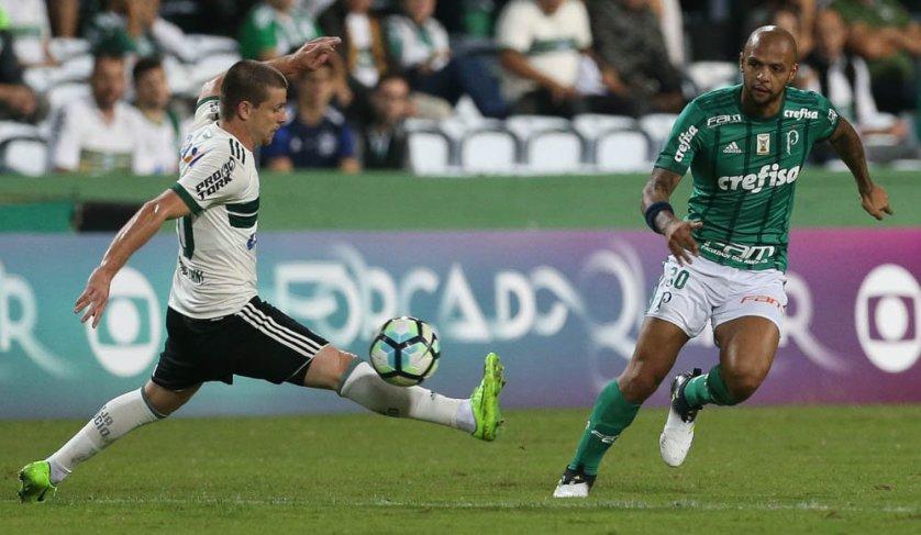 Pelo placar mínimo, Palmeiras sofreu revés para o Coritiba no Couto Pereira. (Cesar Greco/Ag Palmeiras/Divulgação)
