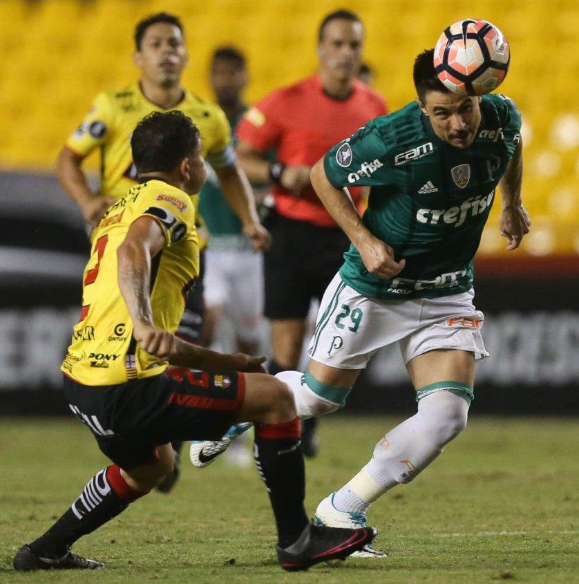 Willian teve duas chances de gol salvas pelo goleiro rival. (Cesar Greco/Ag. Palmeiras/Divulgação)