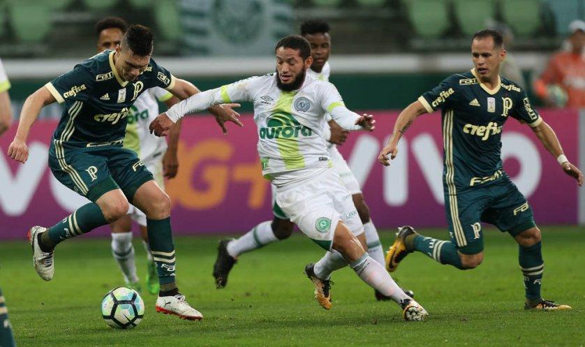 Moisés e Guerra jogaram juntos no meio de campo do Verdão. (Cesar Greco/Ag Palmeiras/Divulgação)