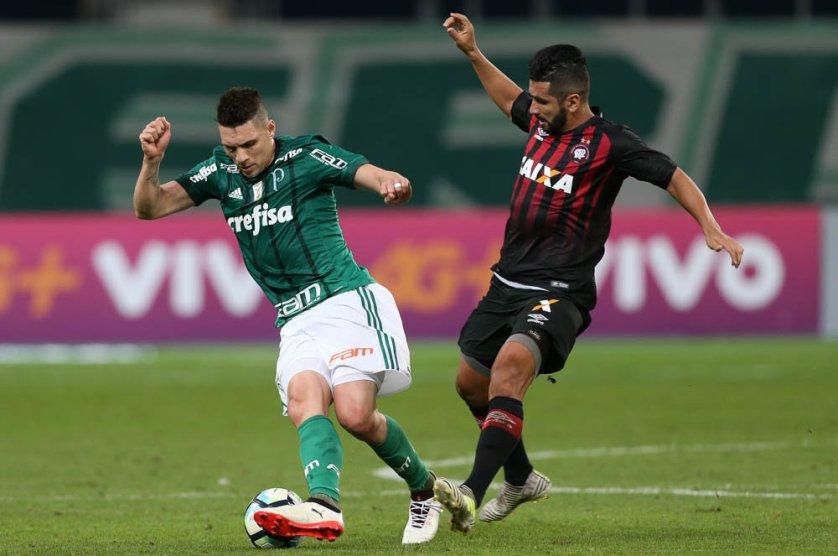 O camisa 10 atuou por 45 minutos diante do Atlético Paranaense. (Cesar Greco/Ag. Palmeiras/Divulgação)