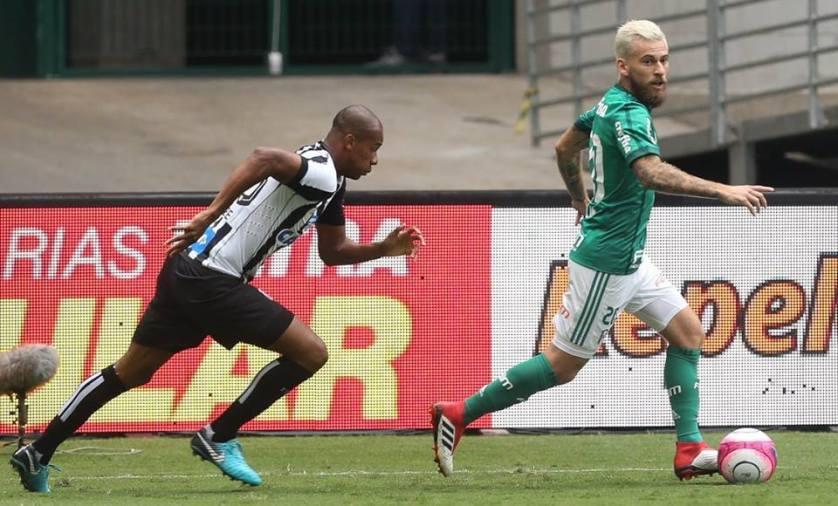 Lucas Lima enfrentou o Santos com a camisa do Verdão pela primeira vez. (Cesar Greco/Ag Palmeiras/Divulgação)