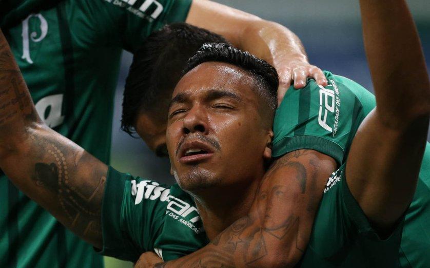 Antônio Carlos, aliás, vem se consolidando como o zagueiro-artilheiro do Palmeiras em clássicos. (Cesar Greco/Ag Palmeiras/Divulgação)