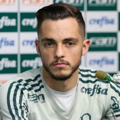 """Provável titular contra Cruzeiro, Hyoran defende Lucas Lima: """"É querido pelo grupo"""""""