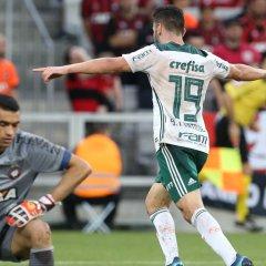Palmeiras vence Atlético-PR em Curitiba e é vice-líder do Brasileirão