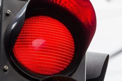 Sinal vermelho! Confira as 10 infrações mais cometidas no trânsito ...