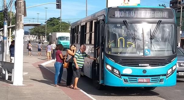 Ônibus do Sistema Transcol Funcionaram normalmente na manhã desta terça-feira (19)