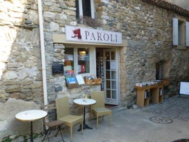Paroli bookstore & tearoom in Minerve