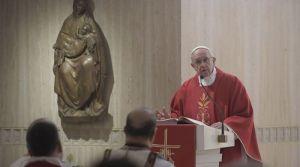 Un cristiano siempre debe ser consciente de que es pecador, afirma el Papa