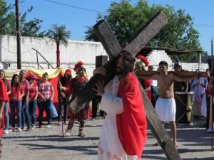 GALERÍA: PARROQUIA SAN FRANCISCO DE ASÍS LLEVA A CABO SU VIACRUCIS