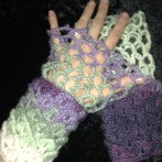 Honeycomb Dragon Wristwarmers