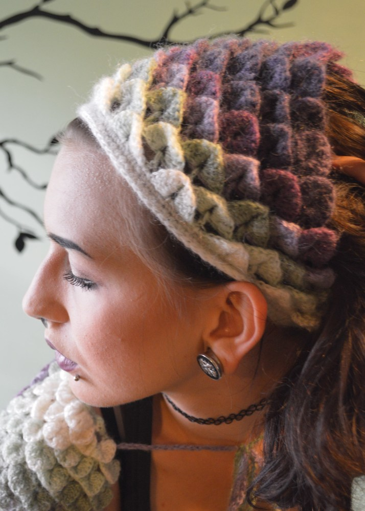 Dragon Scale Head Kerchief - Free Pattern (1/6)