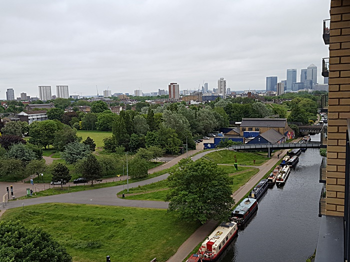 Modern flat on Regent's Canal, London