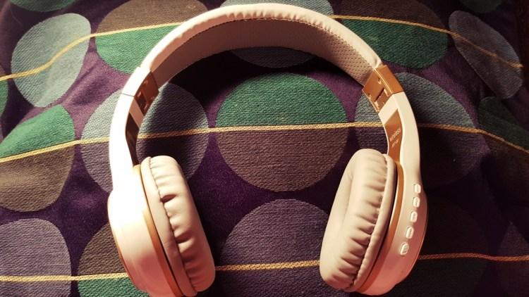 Riwbox | Wireless Headphones XBT20