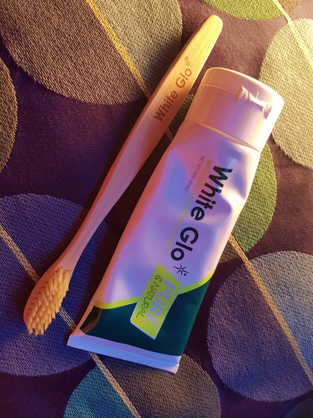 Testing a Vegan-friendly Toothpaste | White Glo Pure & Natural