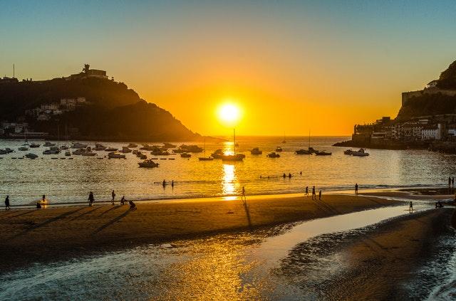 bay-beach-dawn-1038560