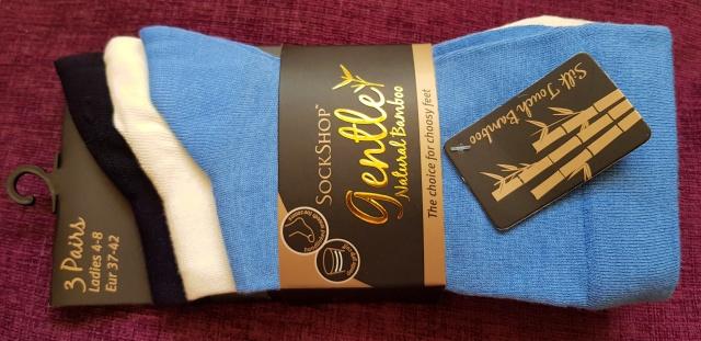 socks in plain colours.jpg