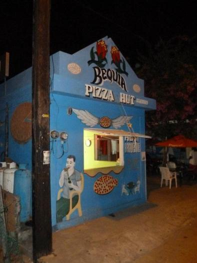 Segeln Bequia Pizza Hut