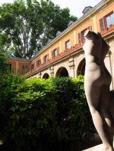 ecole des beaux arts building and courtyard paris