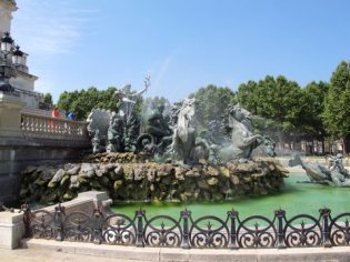 The fountain at Monument aux Girondins