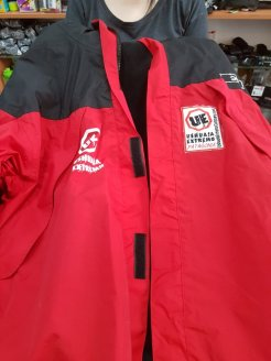 Dropped off my trusty hired jacket to Ushuaia Extremo, thanks guys!
