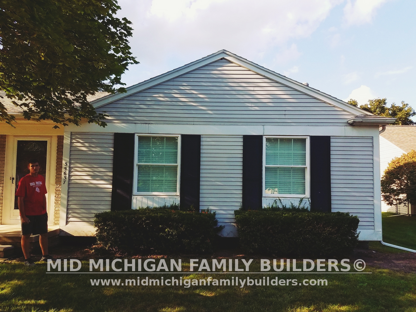 Exterior: New Siding, A Deck And A Chain Link Fence! Mid Michigan