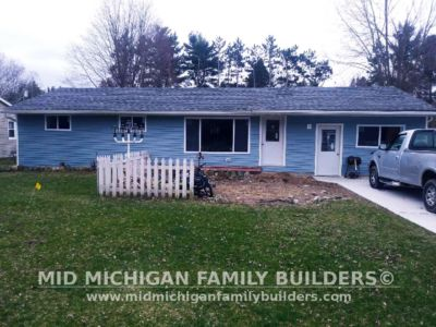 MId Michigan Family Builders Driveway & Siding Project 04 26 18 01