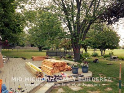 Mid Michigan Family Builders Custom Hand Built Cedar Shadow Box Fence 06 25 2018 01