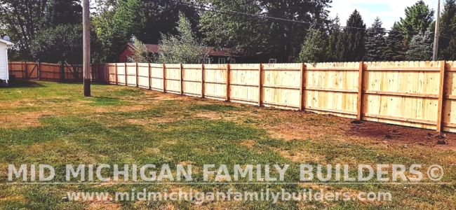 Mid Michigan Family Builders New Fence Project 09 2021 01 01