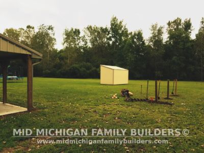 Mid Michigan Family Builders Rough Saw Horse Fence 09 2018 01