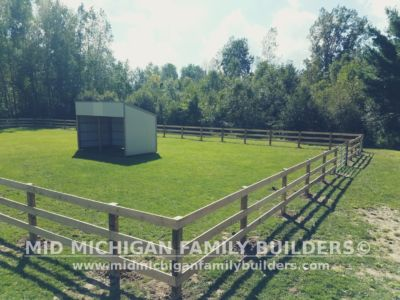 Mid Michigan Family Builders Rough Saw Horse Fence 09 2018 03