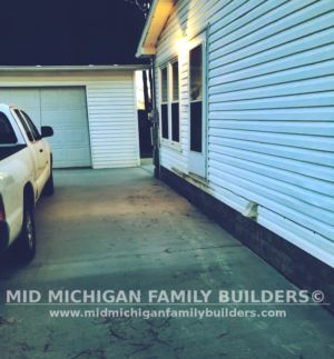 Mid Michigan Family Builders Small Deck Project 12 2018 01