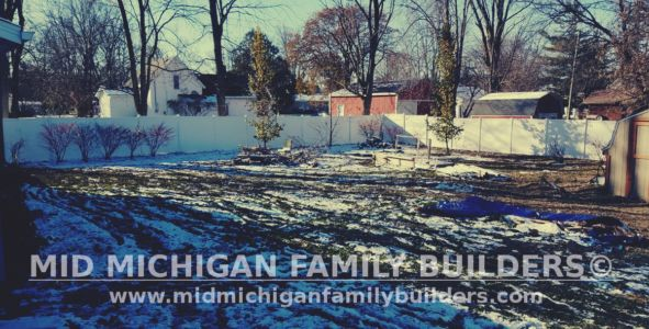 Mid Michigan Family Builders Vinyl Fence Project 11 2018 02