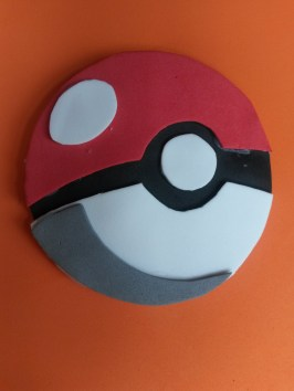 pokeball hairclip by midnakit