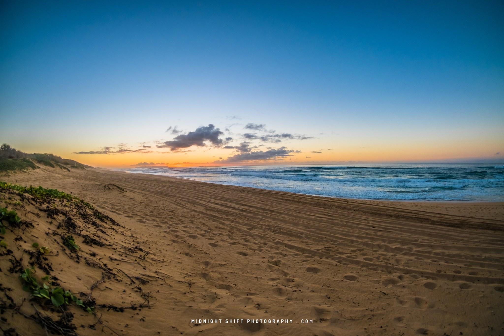 Sunset at Polihale Beach on the island of Kauai, Hawaii