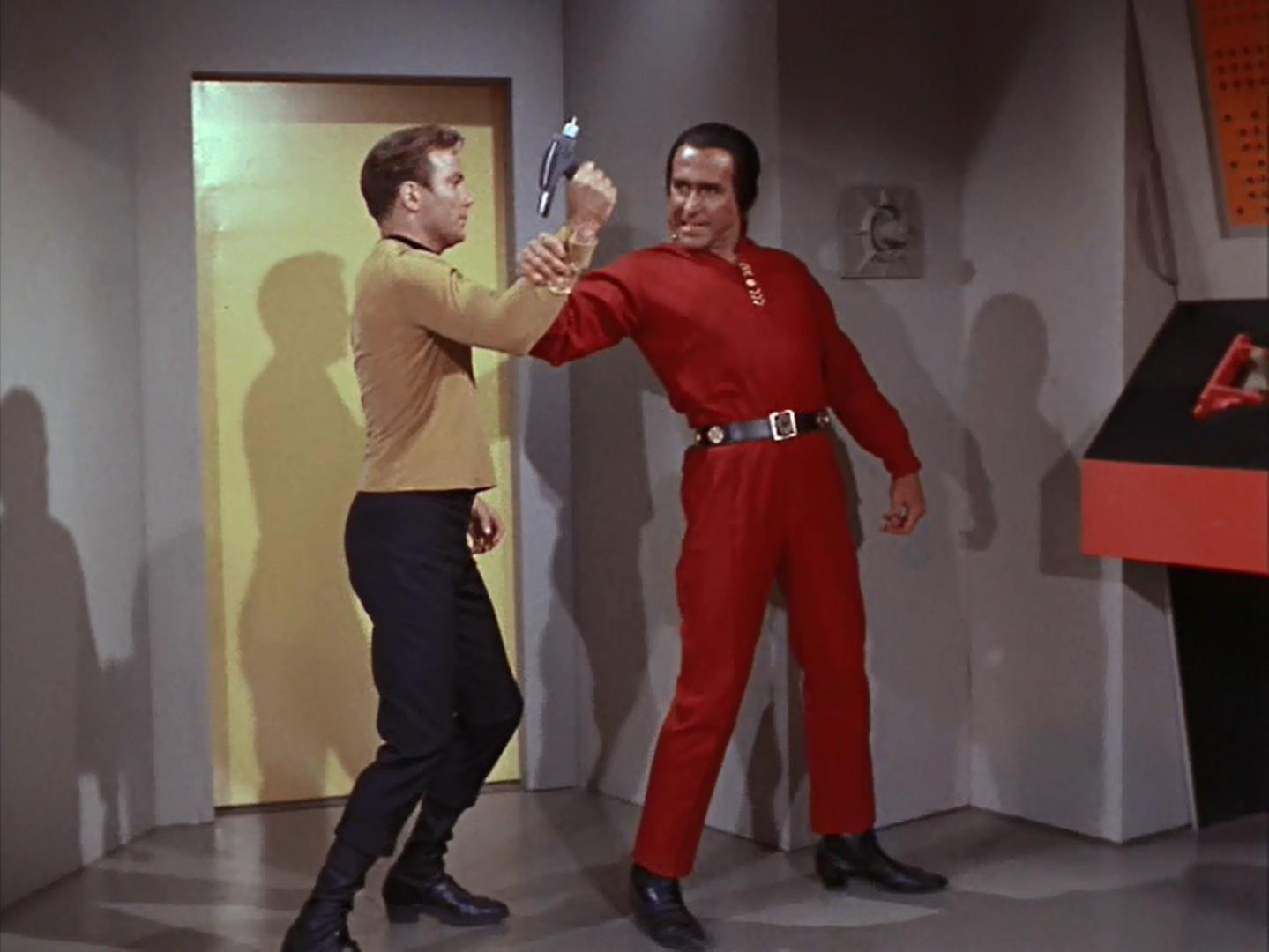 Collec' de Fab.H.Mace - Page 4 Star-Trek-Space-Seed-4