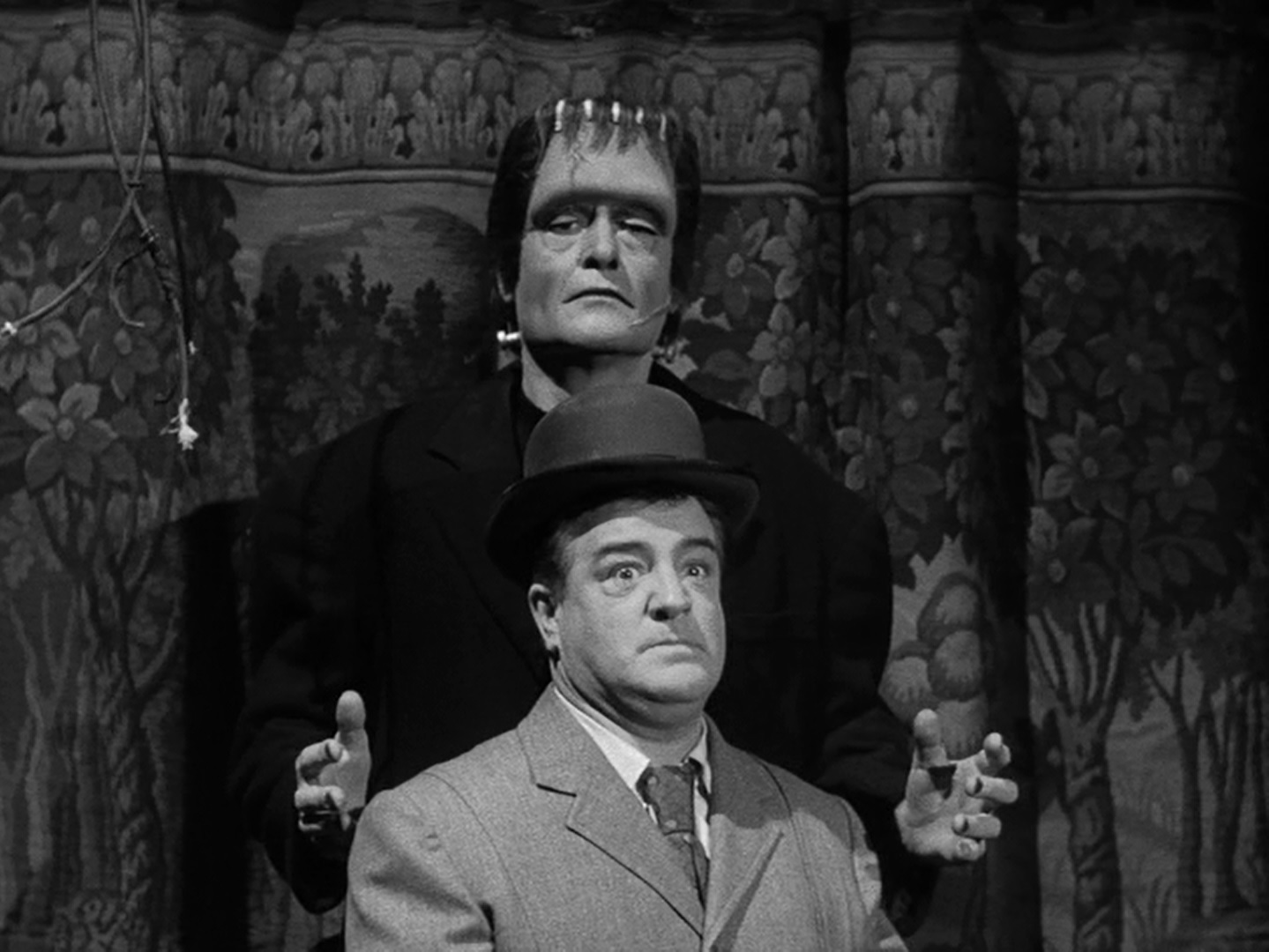 frankenstein and dr jekyll and mr Frankenstein: using parts from  the strange case of dr jekyll and mr hyde: when dr henry jekyll begins to look ill and isolates himself from his friends, they.