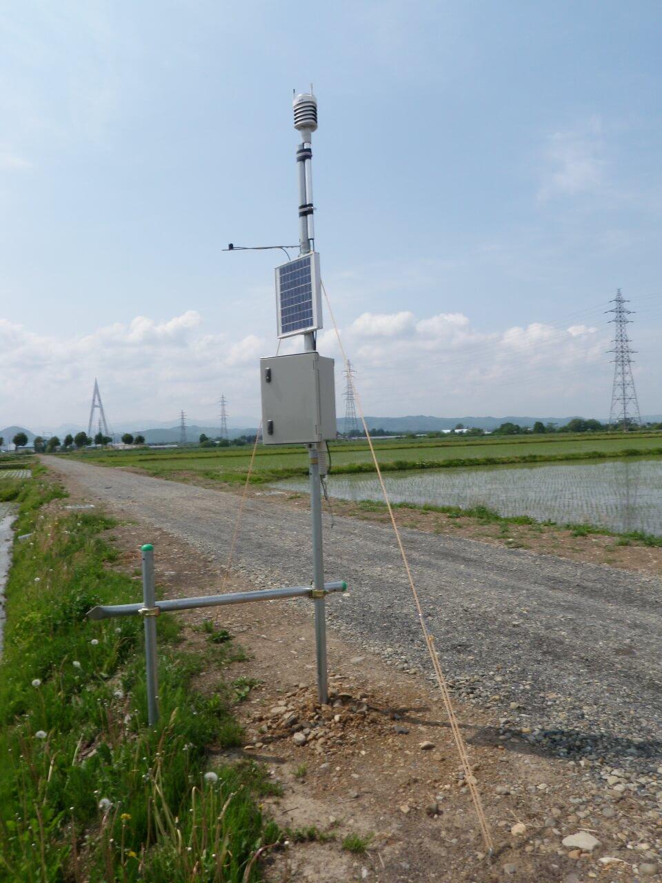 水田付近の気象観測を行っています
