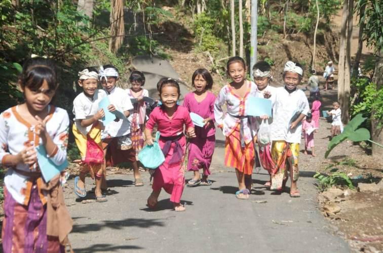 Children in Bali