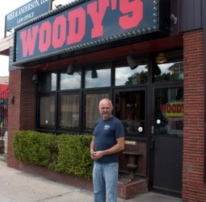 jeff-outside-woody's