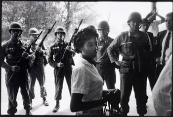 Courtesy Nelson-Atkins Museum of Art. Bruce Davidson, American (b. 1933). Time of Change (National Guardsmen protecting the Freedom Riders during their ride from Montgomery, Alabama to Jackson, Mississippi), 1961. Gelatin silver print (printed later), 8 7/8 × 12 15/16 inches. Gift of the Hall Family Foundation, 2014.18.5.