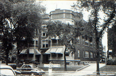 The Armour Park Apartments, now renovated, offered luxury apartment living to well-off families. In newspaper ads in the 1920s, the owners touted the five-to-eight-room large spaces with up to three bathrooms, ample garage space, and a break from the hassle of having to hire servants to staff a big house.