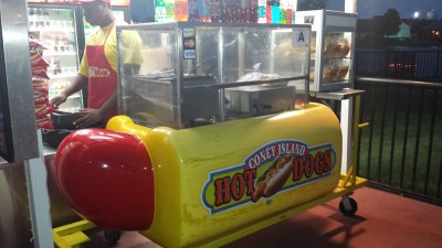 Willydog hot dog cart 3