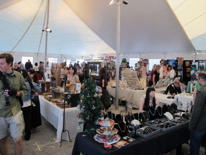 Artists sell their work in large tent at Wilson and Ravenswood. Photo By Ricardo Villarreal