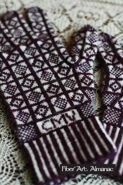 Scottish castles knitted gloves
