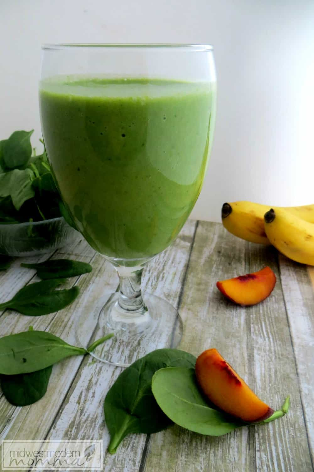 Green Detox Almond Milk Smoothie Recipe