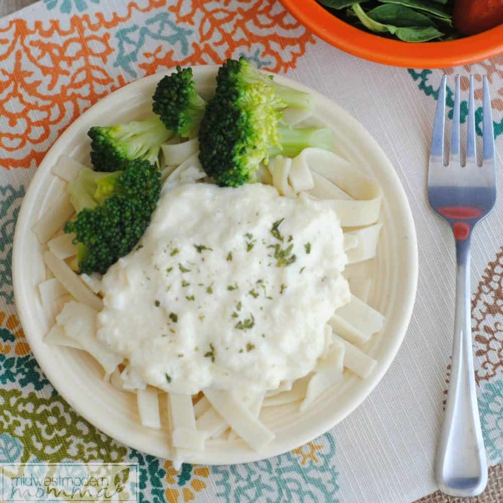Homemade Alfredo Sauce is a great addition to your menu plan! Ready in minutes, this delicious option makes everyone happy!